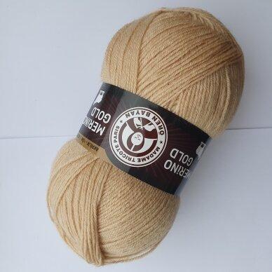 Madam Tricote Merino Gold 28